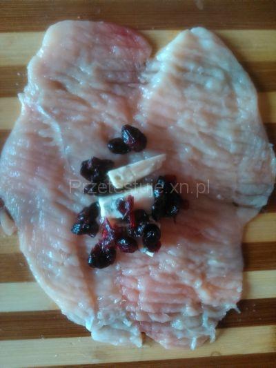 Drobiowe kule z żurawiną i serem pleśniowym