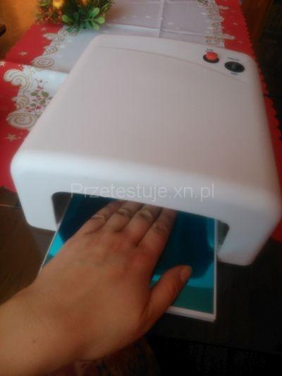 manicure hybrydowy lampa UV
