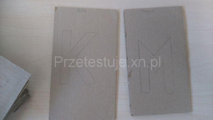 kartony i literki