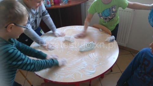 stolik w paście