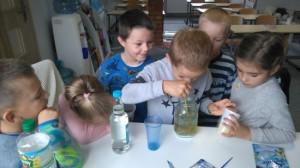 eksperyment z octem i sodą