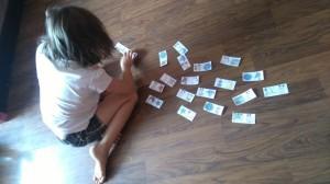 Nadia gra w domino