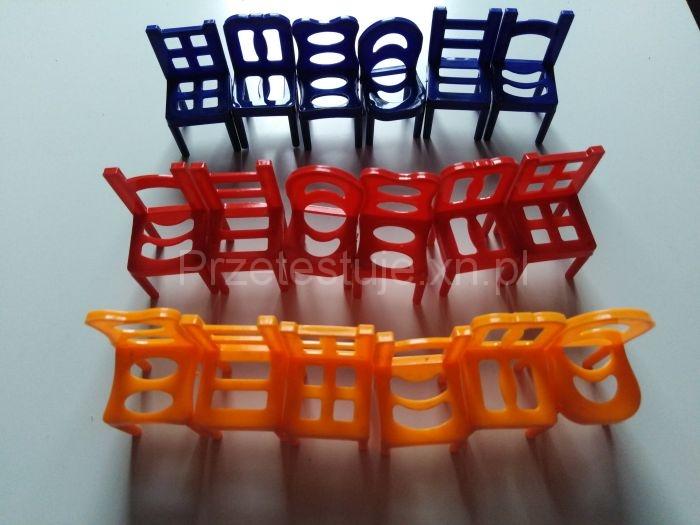 kolorowe krzesełka